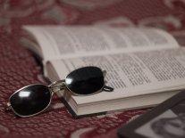 książka i okulary